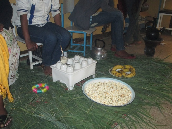 Popcorn is a traditional accompaniment with coffee